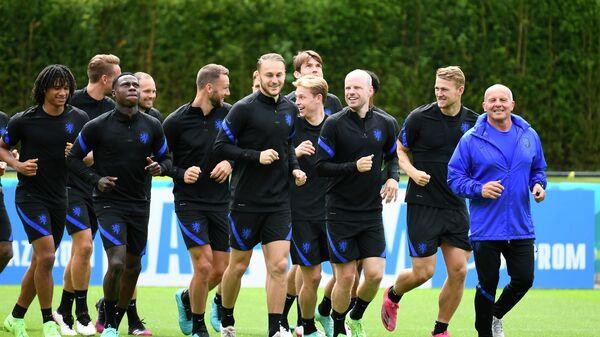 Тренировка сборной Нидерландов по футболу