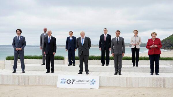 Участники саммита G7 в Великобритании