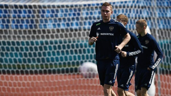Защитник сборной России по футболу Андрей Семенов