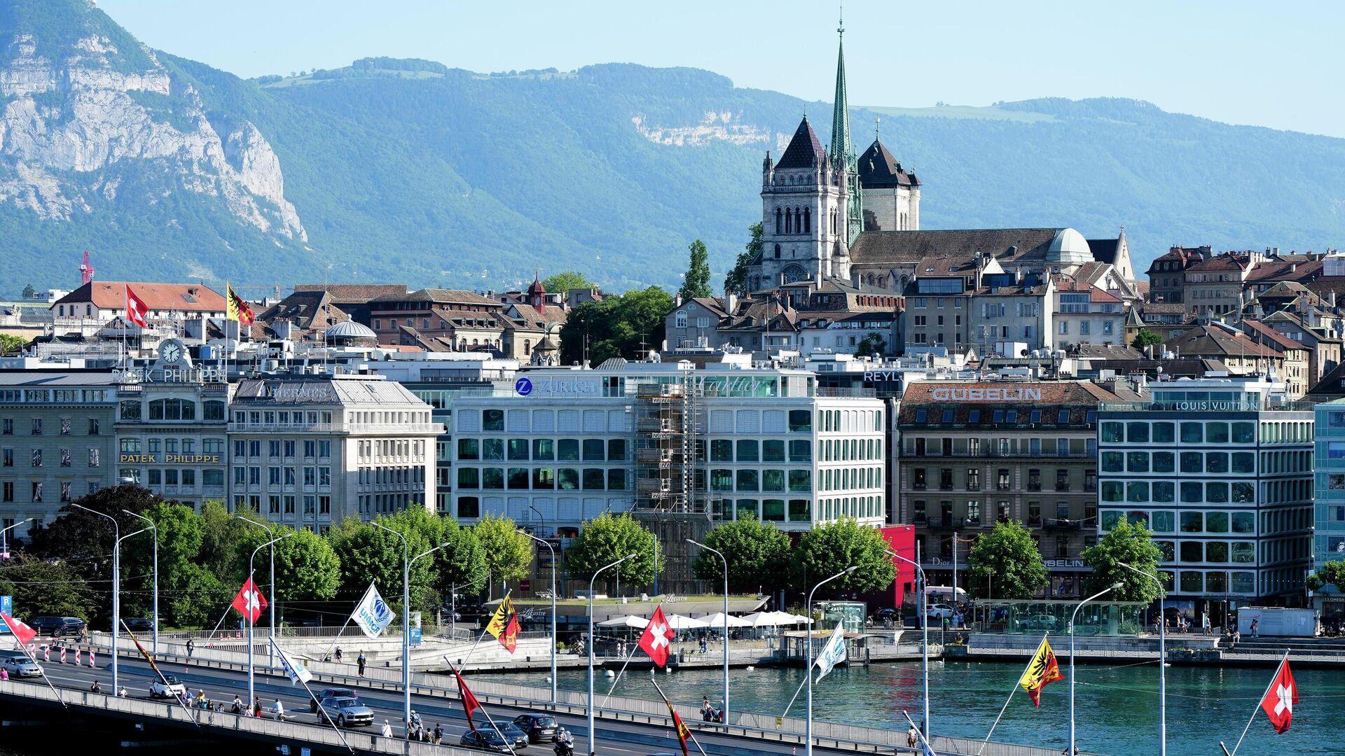 Вид на собор Сен-Пьер в Женеве, Швейцария - РИА Новости, 1920, 28.07.2021