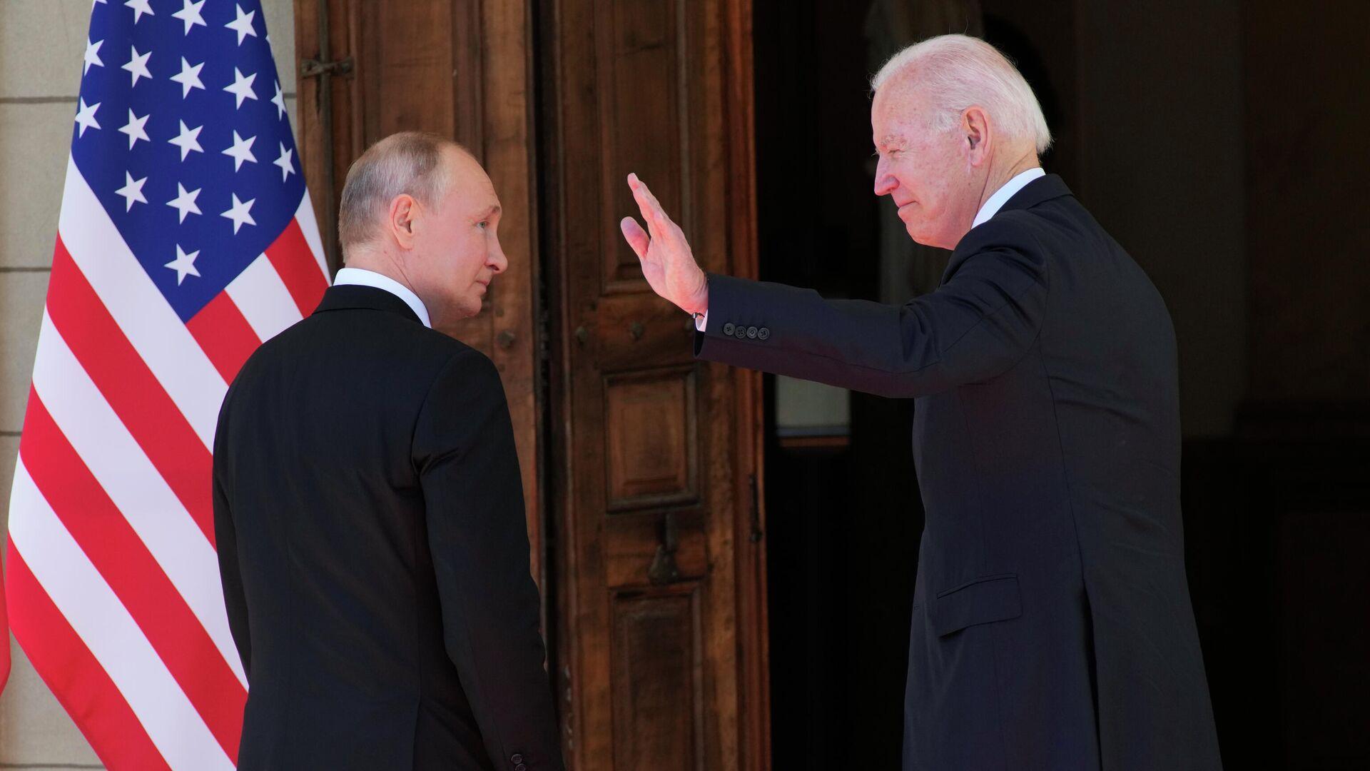 Президент РФ Владимир Путин и президент США Джо Байден во время встречи на вилле Ла Гранж в Женеве - РИА Новости, 1920, 28.07.2021