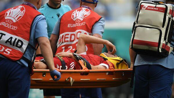 Игрок сборной России Марио Фернандес получил травму в матче 2-го тура группового этапа чемпионата Европы по футболу 2020 между сборными Финляндии и России.