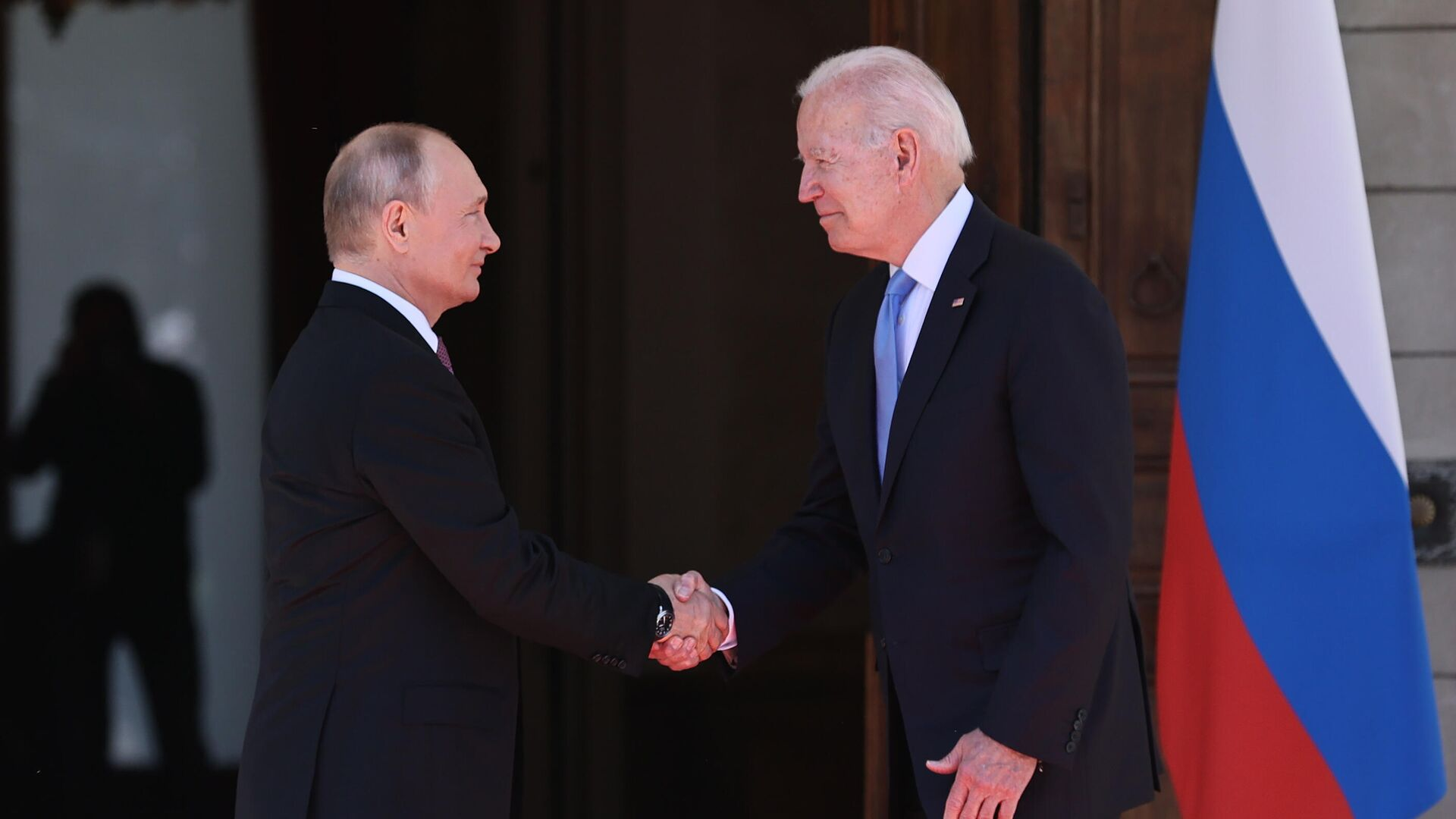 Президент РФ Владимир Путин и президент США Джо Байден во время встречи в Женеве на вилле Ла Гранж - РИА Новости, 1920, 18.09.2021