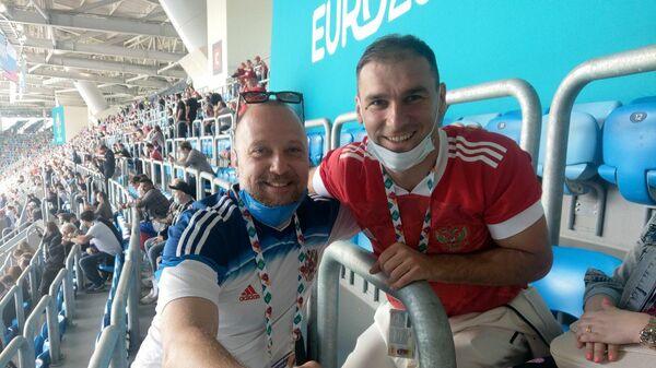 Бранислав Иванович (справа)