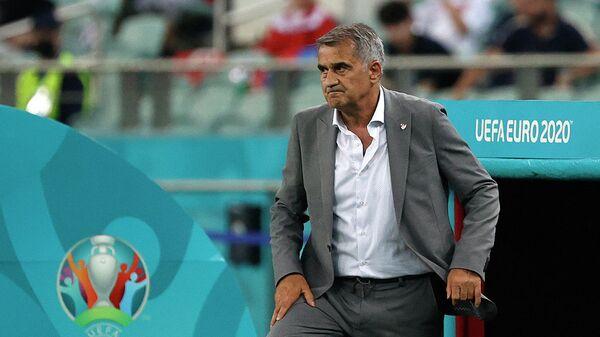 Главный тренер сборной Турции Шенол Гюнеш
