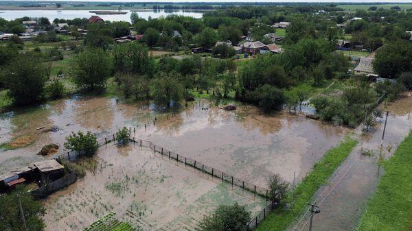 Подтопленные участки в Павловском районе Краснодарского края после сильных дождей и града