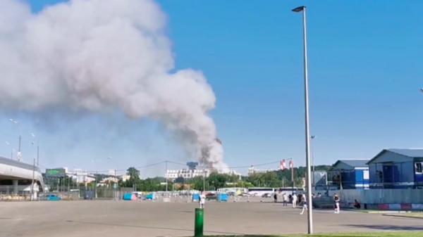 Пожар на складе пиротехники в Лужниках