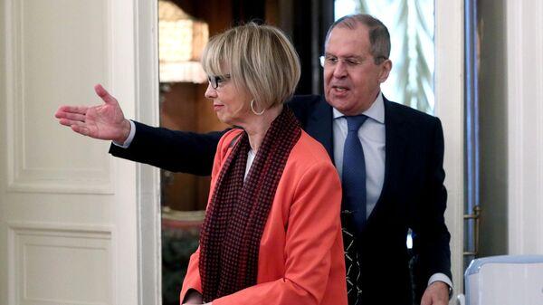 Министр иностранных дел России Сергей Лавров и генеральный секретарь ОБСЕ Хельга Шмид во время встречи в Москве