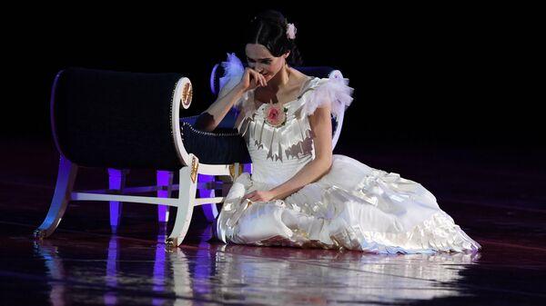 Олеся Новикова (Мариинский театр) на гала-концерте мировых звезд балета Рудольф Нуреев. Из прошлого в будущее, представленном в рамках проекта Андриса Лиепы Автографы и имиджи, в Государственном Кремлёвском дворце в Москве.