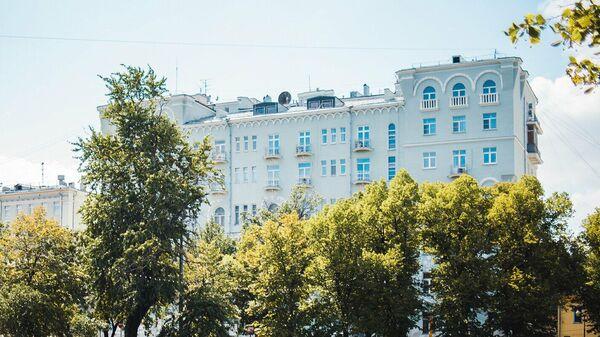 Дом со зверями на Чистопрудном бульваре в Москве
