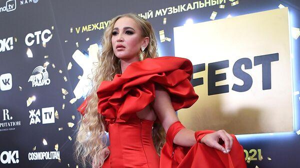 Актриса, певица и телеведущая Ольга Бузова на открытии 5-го международного музыкального фестиваля Жара в Crocus City Hall в Москве