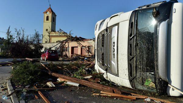 Последствия торнадо в Чехии