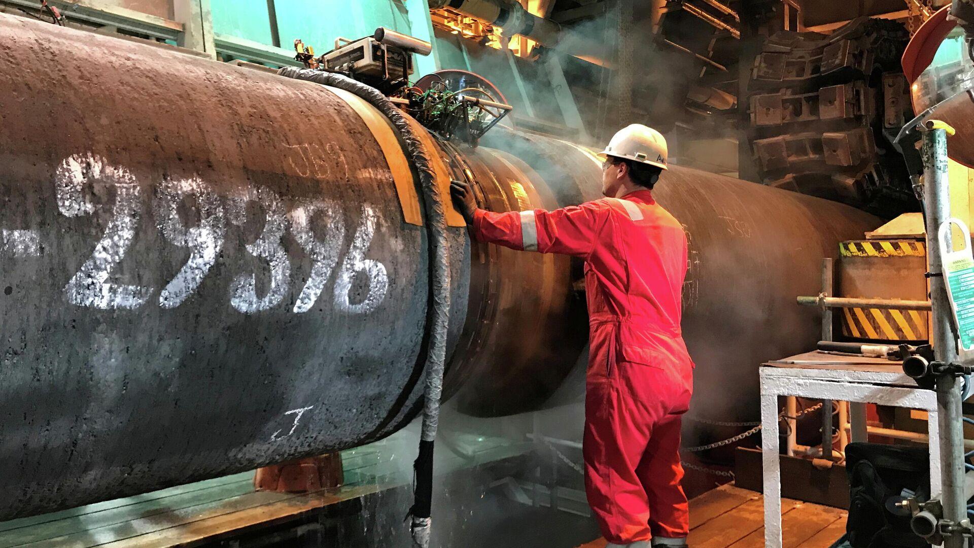 Подготовка трубы для строительства газопровода Nord Stream 2 в Балтийском море - РИА Новости, 1920, 08.07.2021