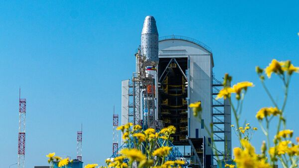 РН Союз-2.1б установлена на стартовом столе космодрома Восточный