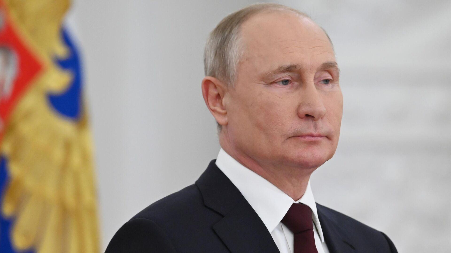 Президент РФ Владимир Путин во время встречи с выпускниками военных вузов - РИА Новости, 1920, 28.06.2021