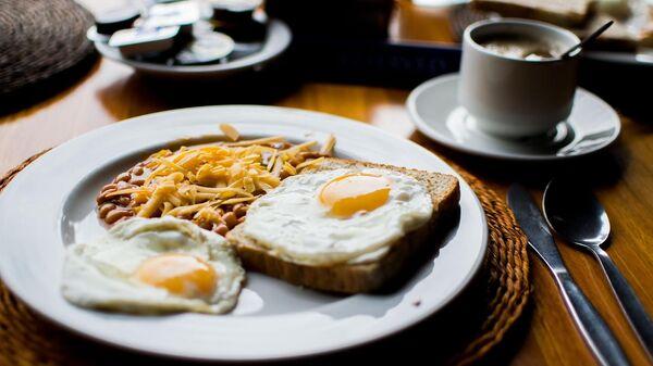 Яичница и кофе