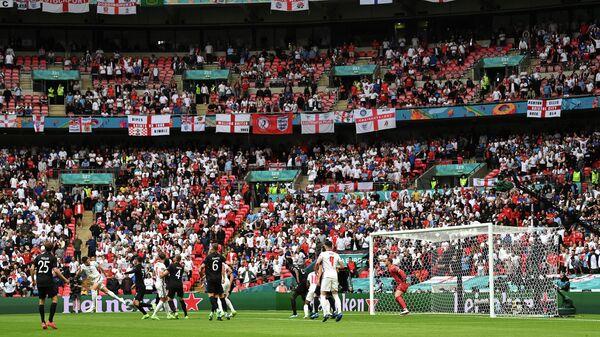 Игровой момент матча 1/8 финала ЕВРО-2020 Англия - Германия
