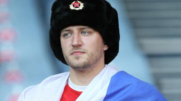 Болельщик сборной России на матче Украина - Швеция на ЕВРО-2020