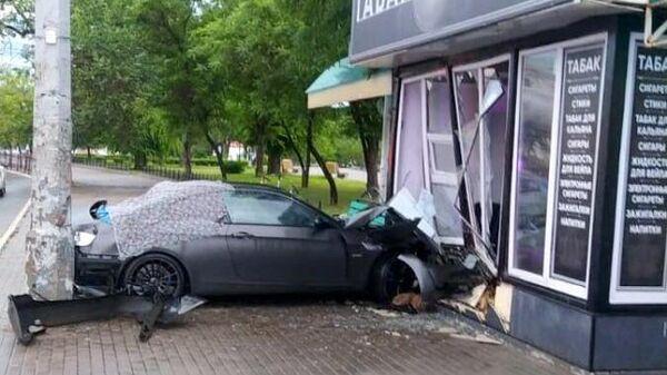 Водитель BMW без регистрации насмерть сбил на встречной полосе пешехода в Астрахани