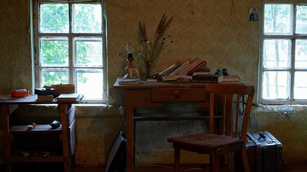 Комната, где жил Сергей Довлатов в доме-музее писателя в деревне Березино Псковской области