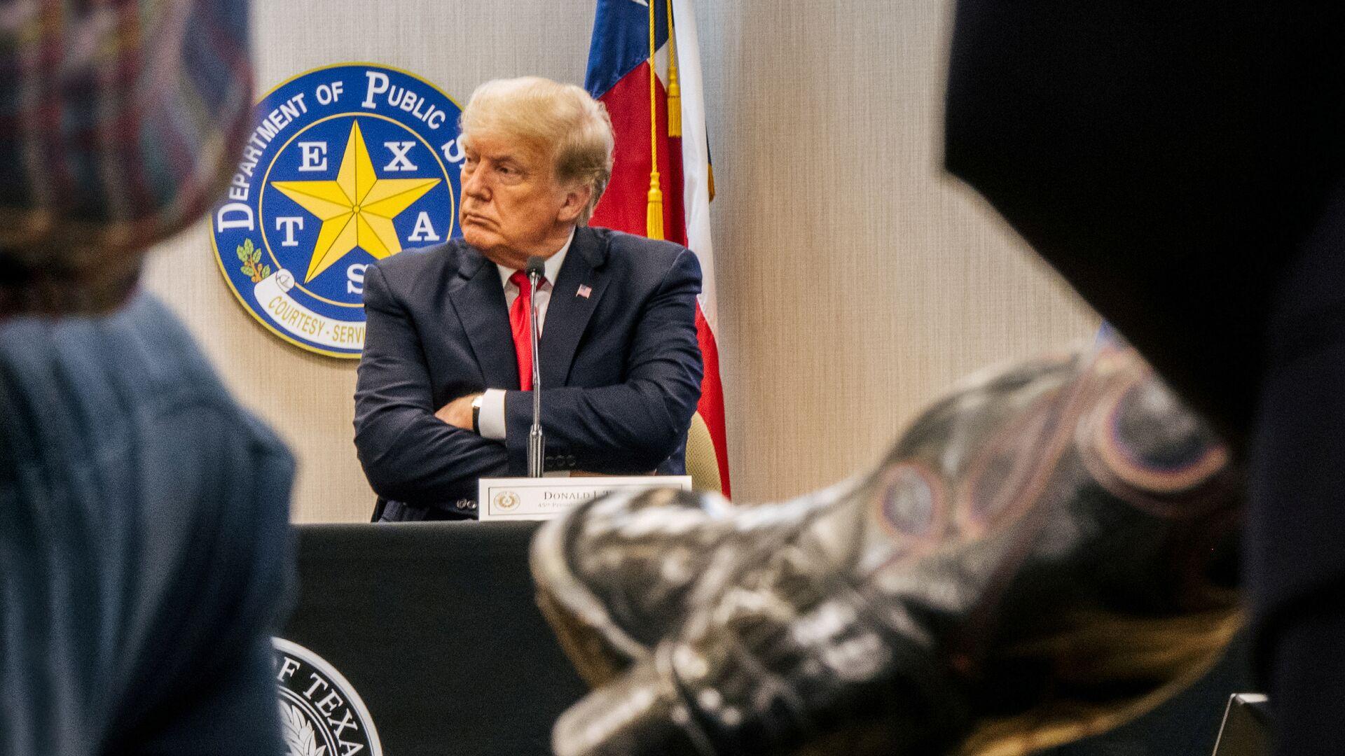 Бывший президент США Дональд Трамп во время поездки в Техас - РИА Новости, 1920, 02.07.2021