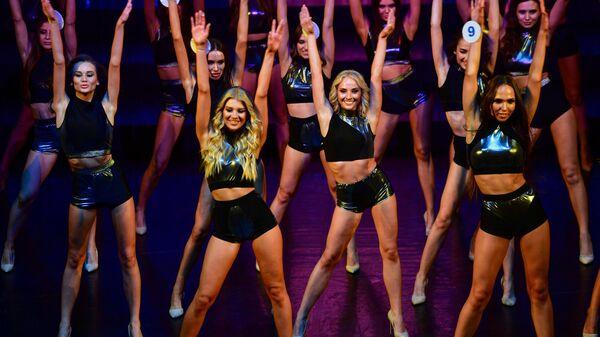 Участницы во время 25-го юбилейного конкурса красоты Мисс Москва 2021 в театре Et Cetera
