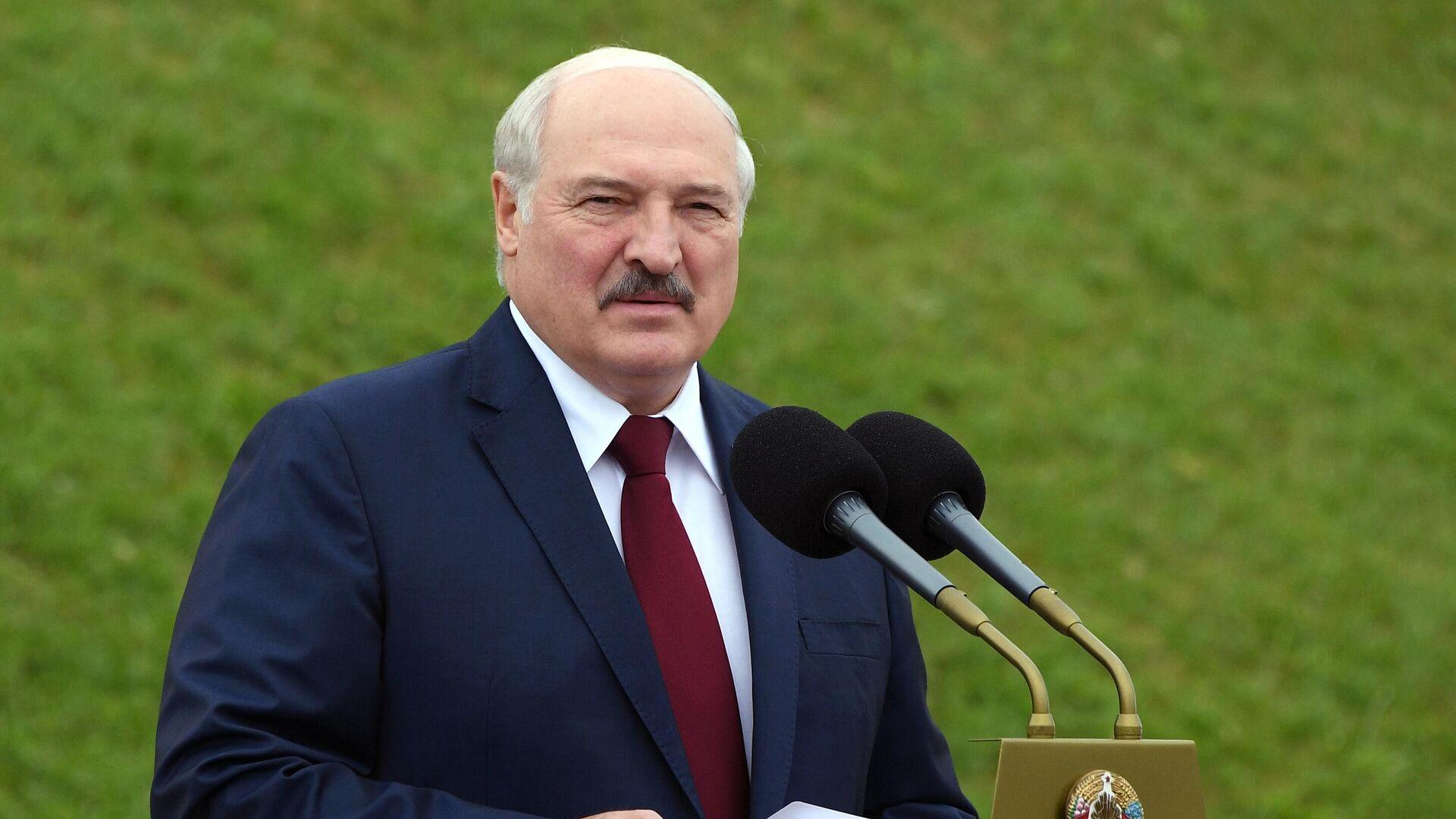 Президент Белоруссии Александр Лукашенко выступает на торжественном митинге, посвященном Дню независимости Белоруссии - РИА Новости, 1920, 03.07.2021