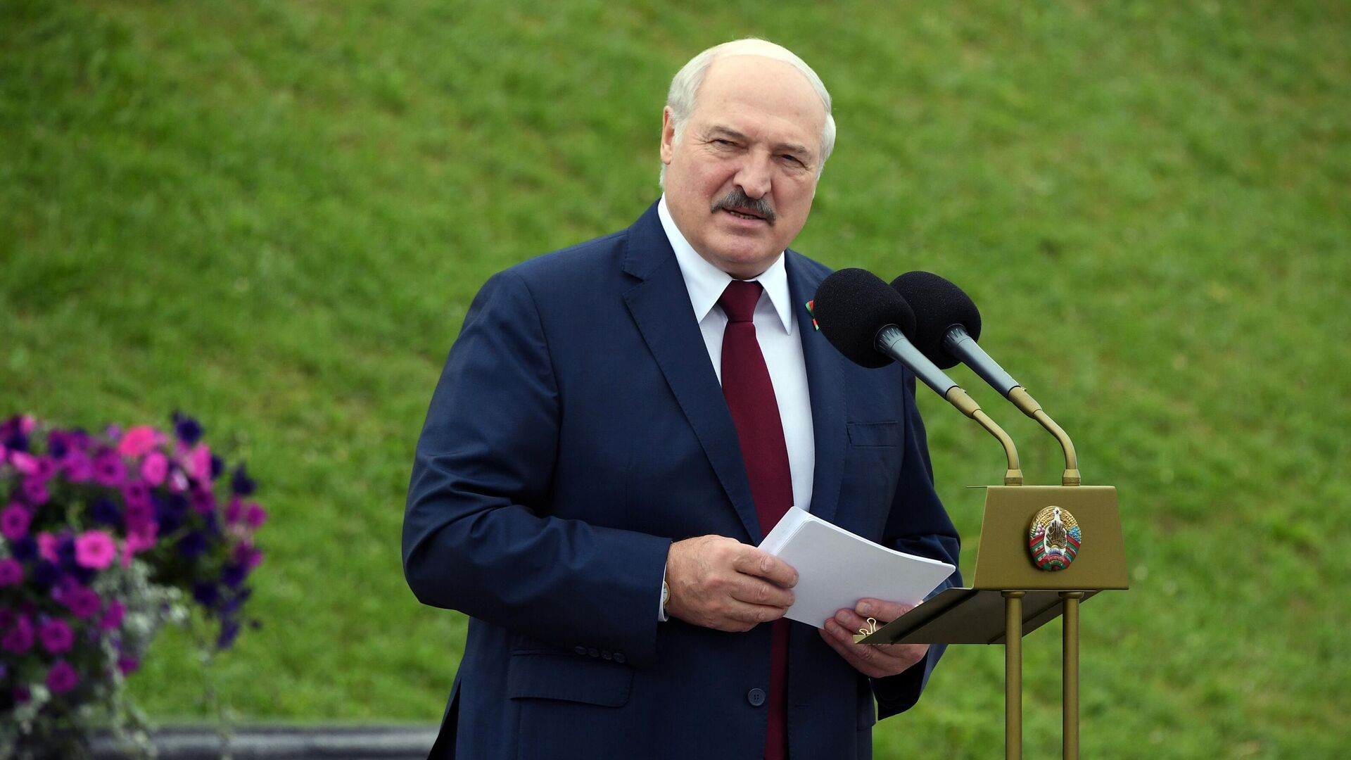 Президент Белоруссии Александр Лукашенко выступает на торжественном митинге, посвященном Дню независимости Белоруссии - РИА Новости, 1920, 14.09.2021