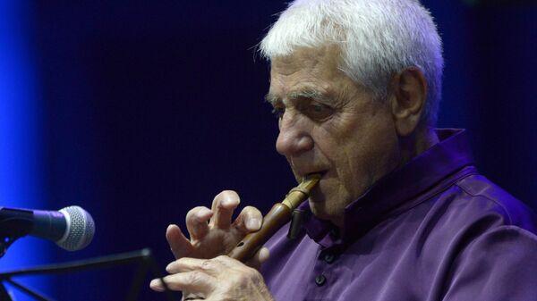 Армянский музыкант и композитор Дживан Гаспарян