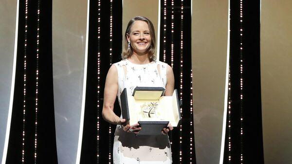 Актриса Джоди Фостер на открытии 74-го Каннского кинофестиваля