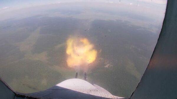 Ракетные пуски по полигону в Арктике: учения российской стратегической авиации
