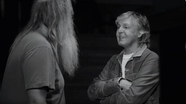 Кадр из трейлера фильма McCartney 3,2,1