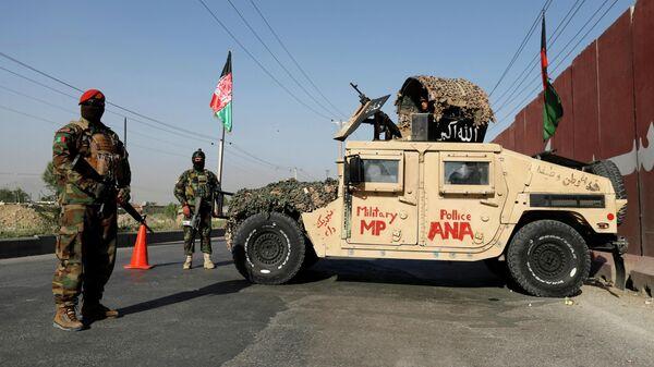 Военнослужащие Афганской национальной армии на контрольно-пропускном пункте в Кабуле