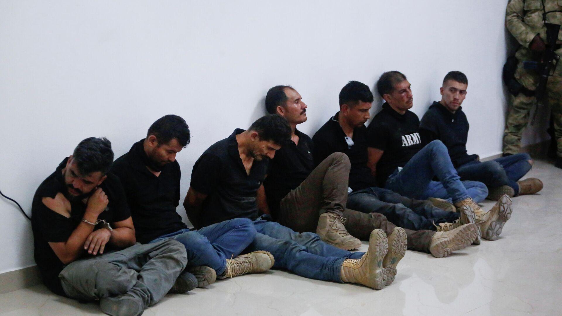 Американцы, задержанные в Гаити по делу об убийстве президента страны Жовенеля Моиза - РИА Новости, 1920, 09.07.2021