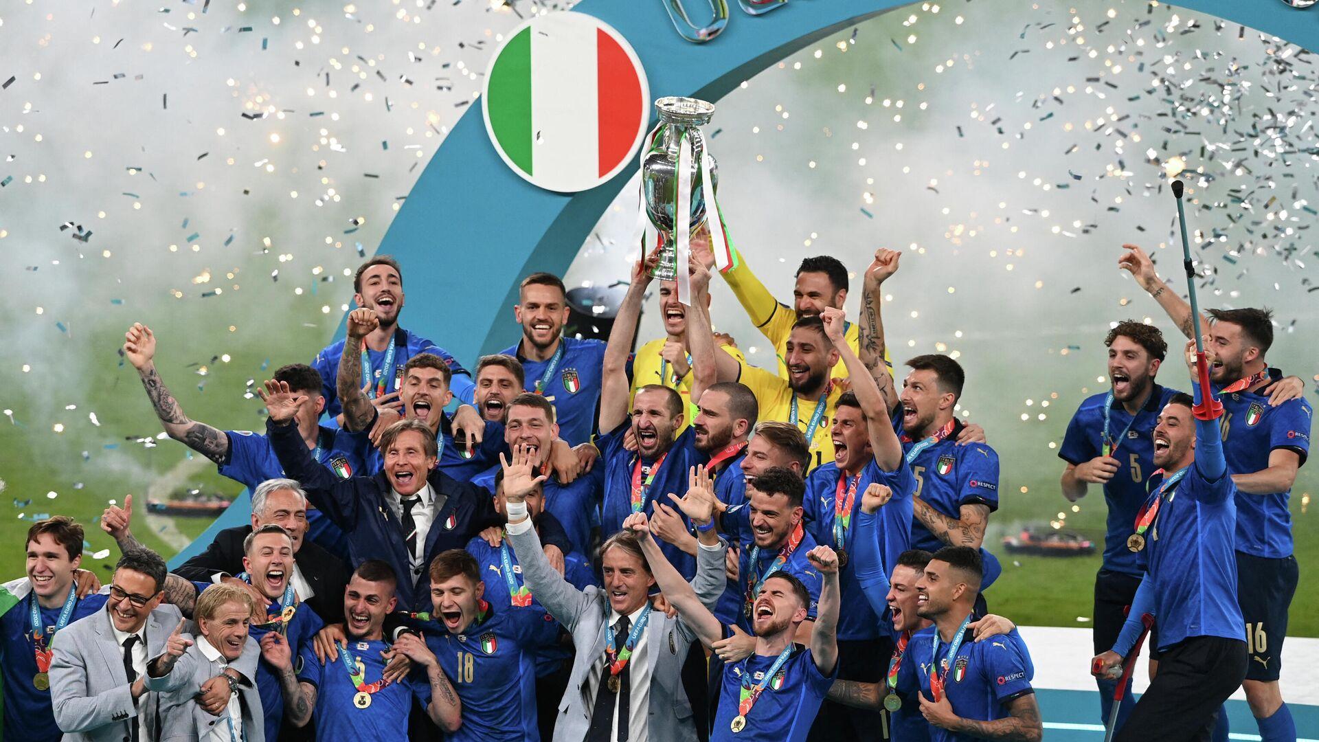 Футболисты сборной Италии - РИА Новости, 1920, 12.07.2021