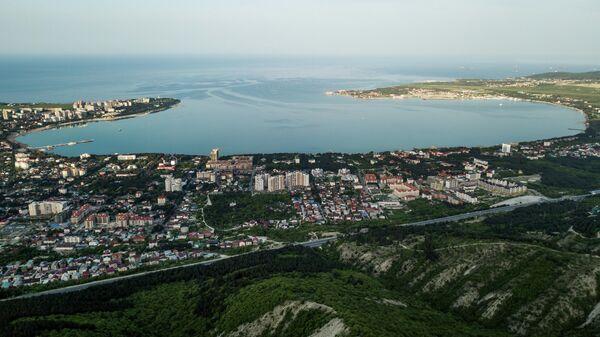 Вид на город Геленджик на Геленджикскую бухту