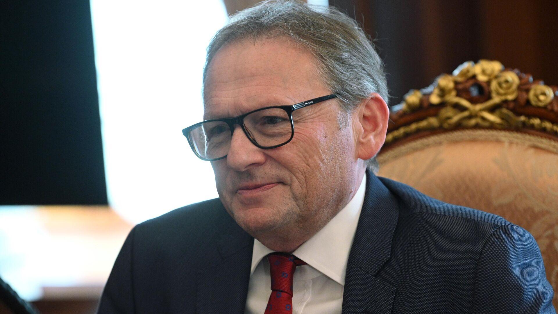 Титов попросил обвинение изменить позицию по делу Зотова