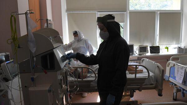 Мурашко назвал число госпитализированных пациентов с COVID-19