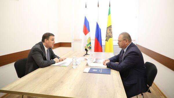 Врио губернатора Пензенской области Олег Мельниченко и министр сельского хозяйства РФ Дмитрий Патрушев