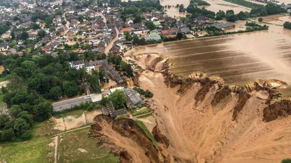 Последствия наводнения в Эрфтштадт-Блессем, Германия