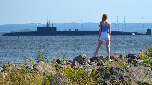 Подводная лодка Князь Владимир на Кронштадтском рейде