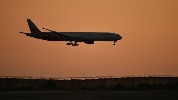 Пассажирский авиалайнер авиакомпании Россия