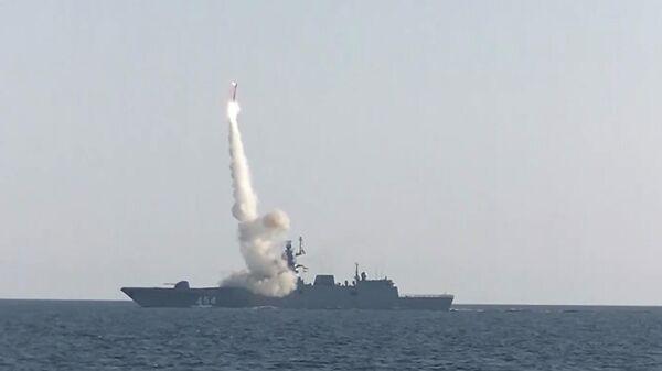 Пуск гиперзвуковой ракеты Циркон с борта фрегата Адмирал Горшков в Баренцевом море