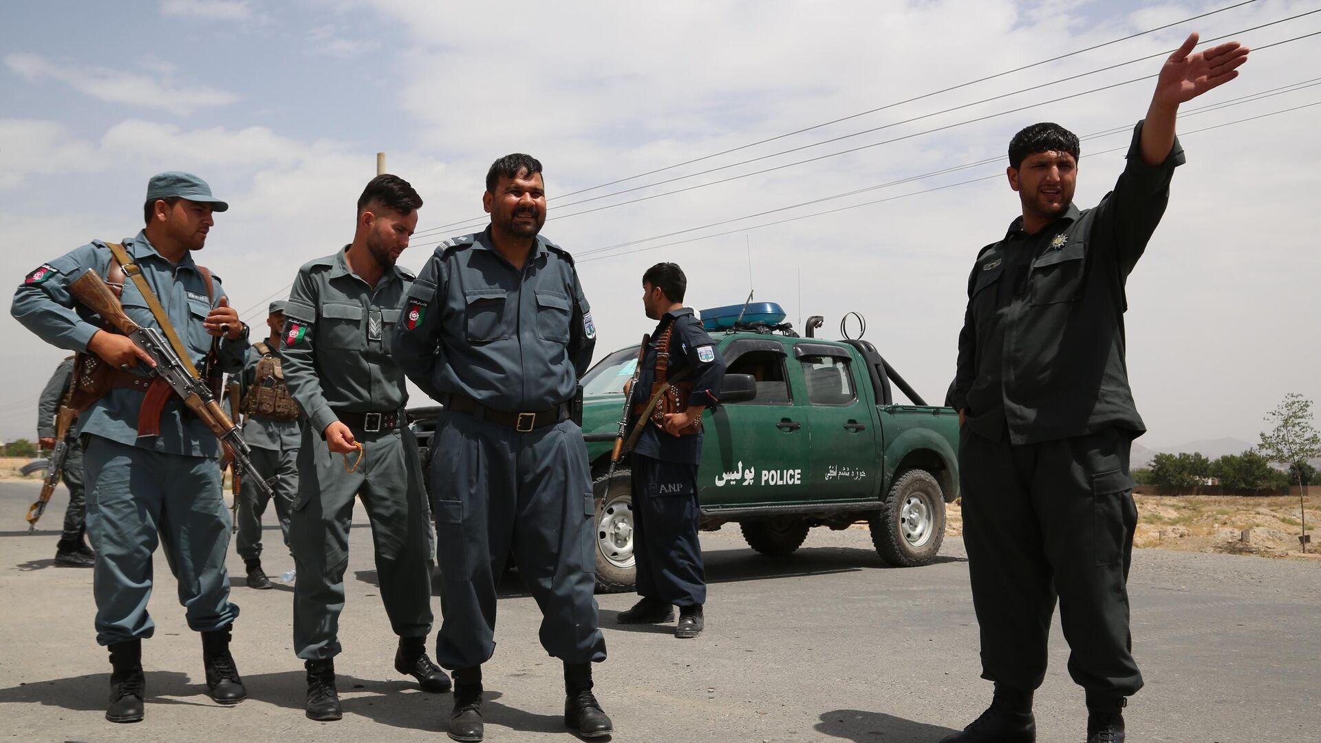 Сотрудники национальной полиции Афганистана на контрольно-пропускном пункте в Кабуле - РИА Новости, 1920, 04.08.2021