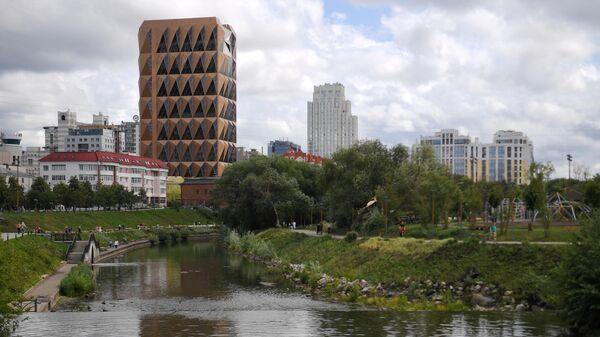 Набережная реки Исеть в Екатеринбурге