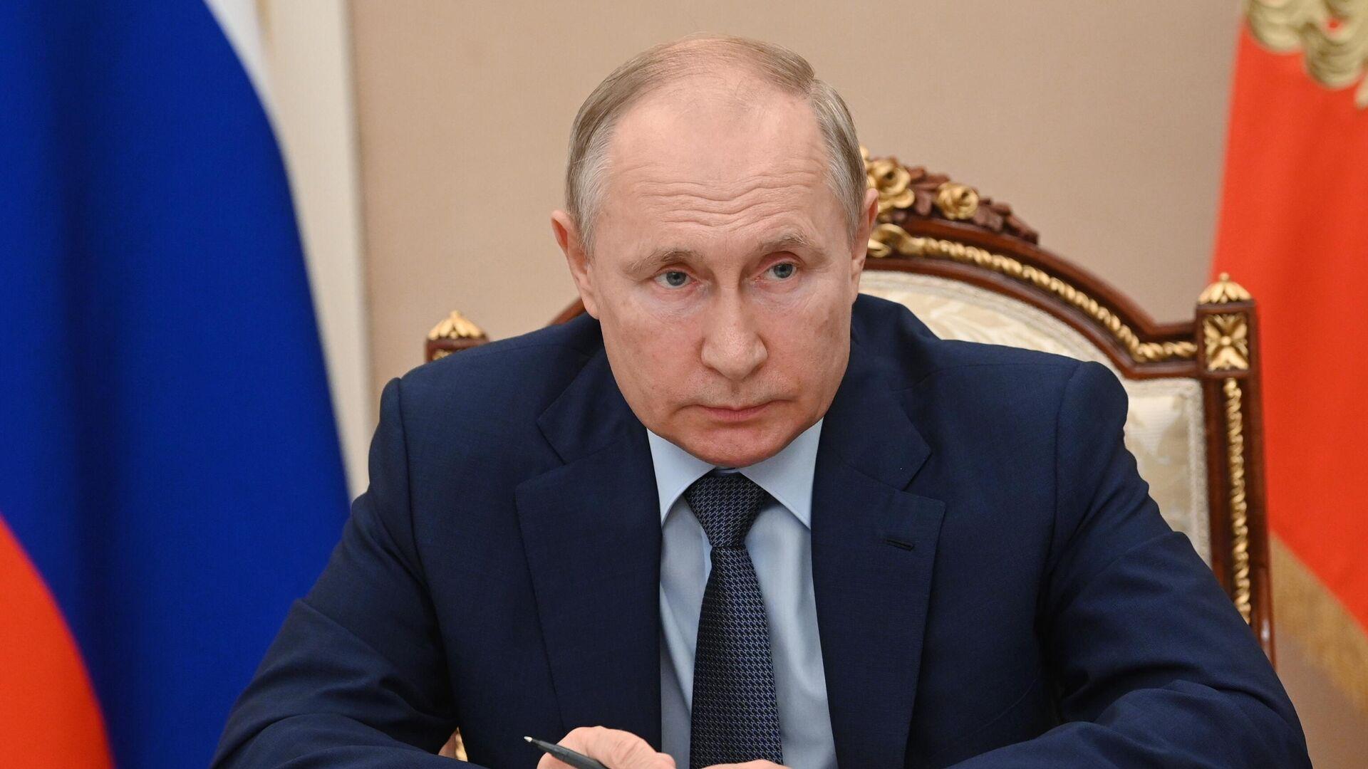 Президент РФ Владимир Путин в режиме видеоконференции проводит заседание Совета по стратегическому развитию и национальным проектам - РИА Новости, 1920, 22.07.2021