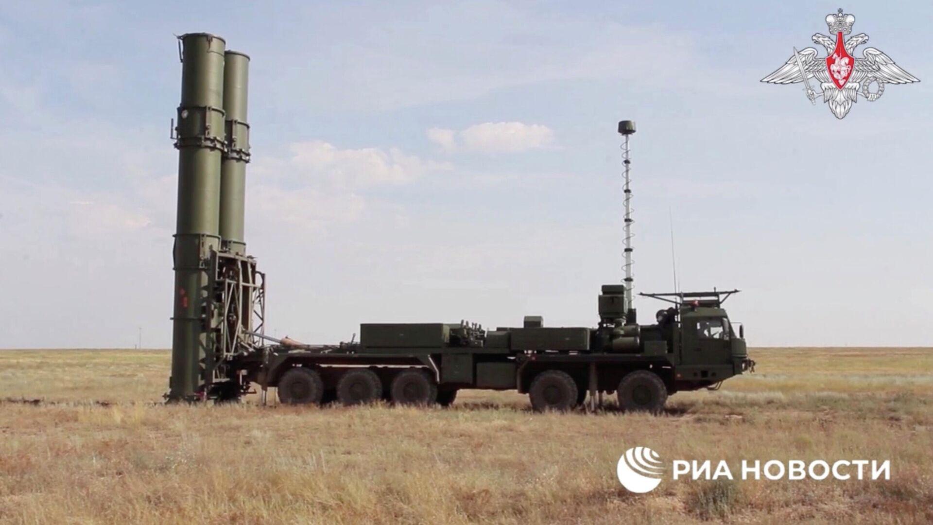 Зенитная ракетная система С-500 провела испытательные боевые стрельбы по скоростной баллистической цели на полигоне Капустин Яр - РИА Новости, 1920, 20.07.2021