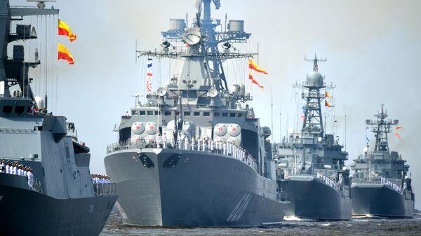 Корабли ВМФ России на репетиции парада в честь Дня военно-морского флота в Кронштадте