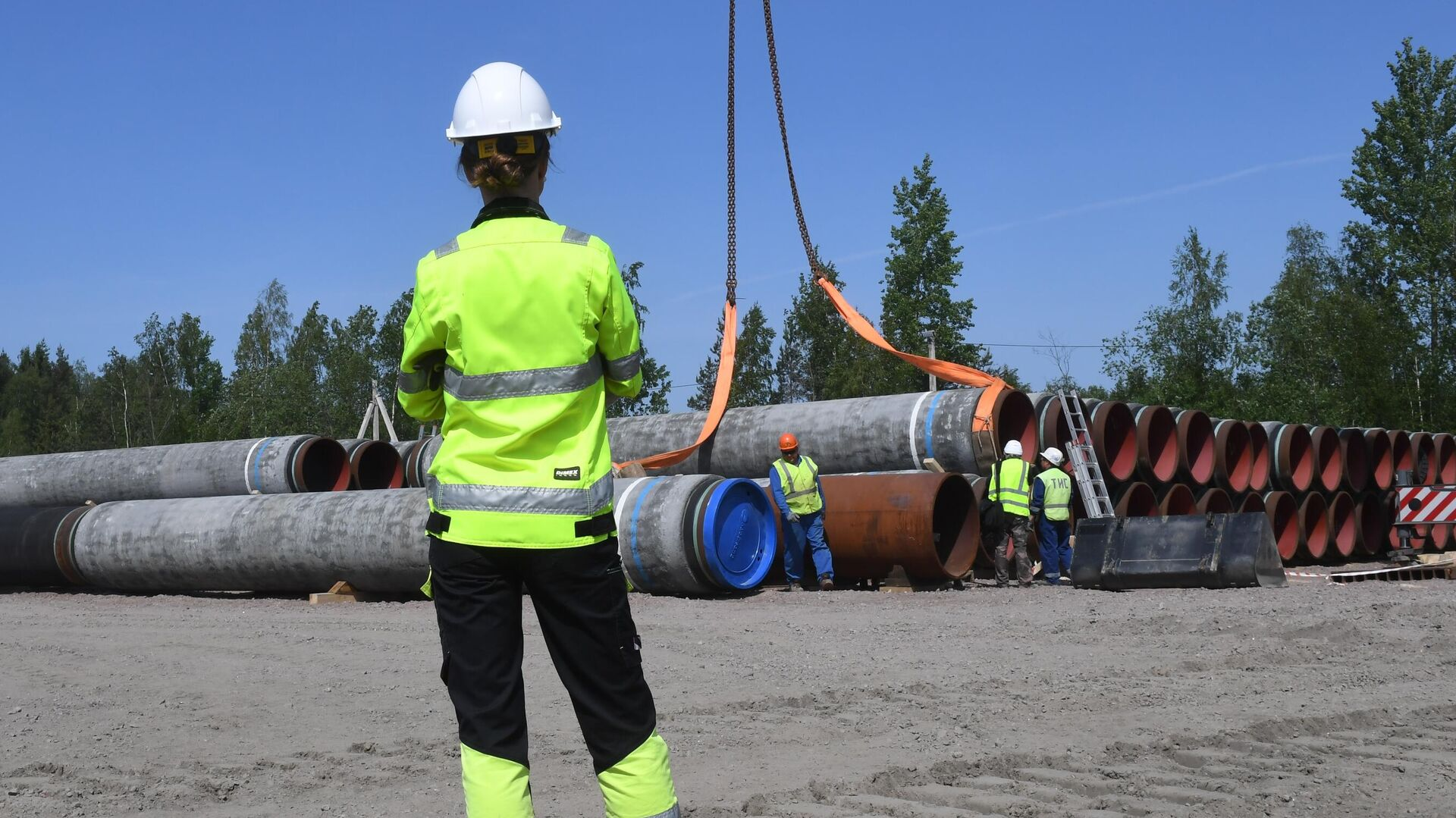 Рабочие на участке строительства газопровода Северный поток-2 - РИА Новости, 1920, 24.07.2021