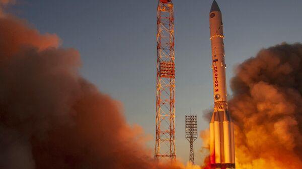 Пуск ракеты-носителя Протон-М с космодрома Байконур
